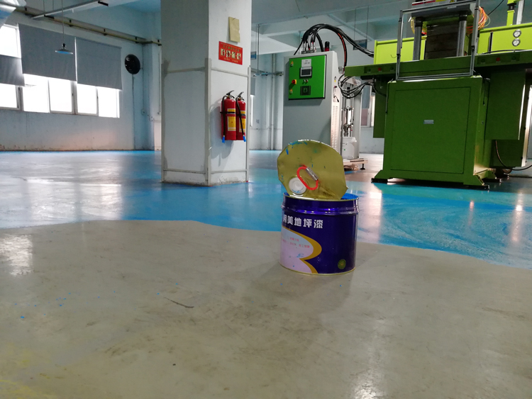重防腐環氧自流平地坪漆材料使用方法